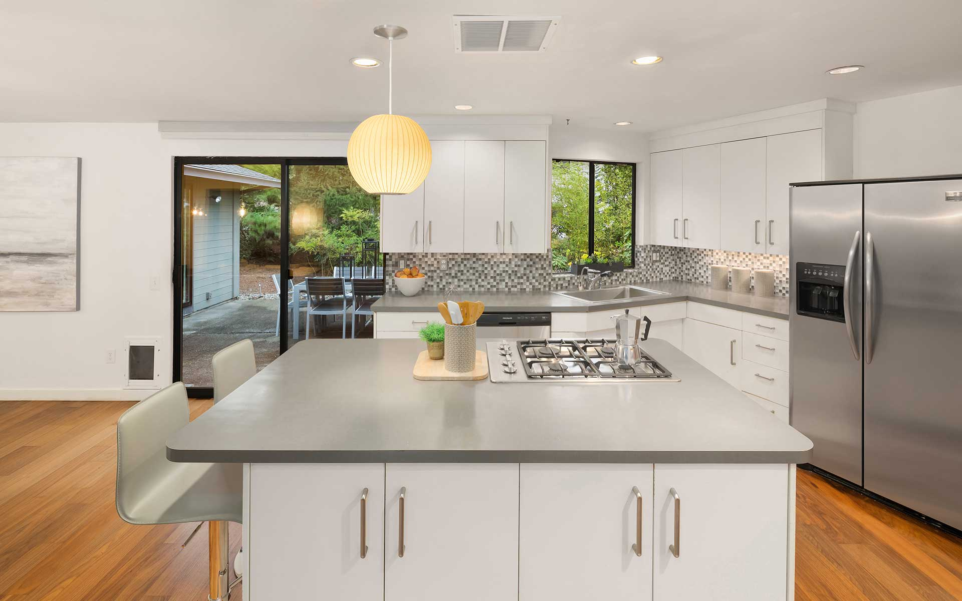 Stylish Mid-Century with a Clean, Modern Aesthetic  photo