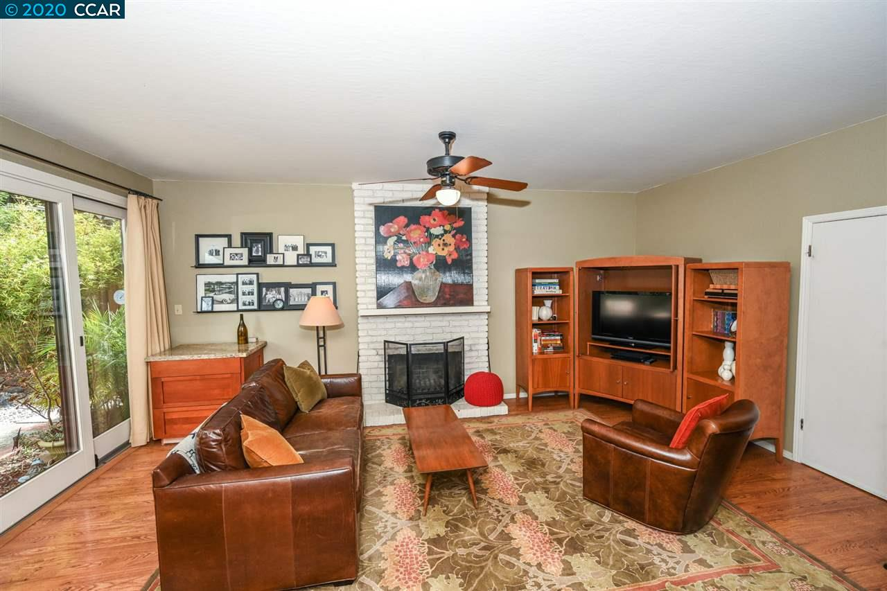 358 Conway Dr photo