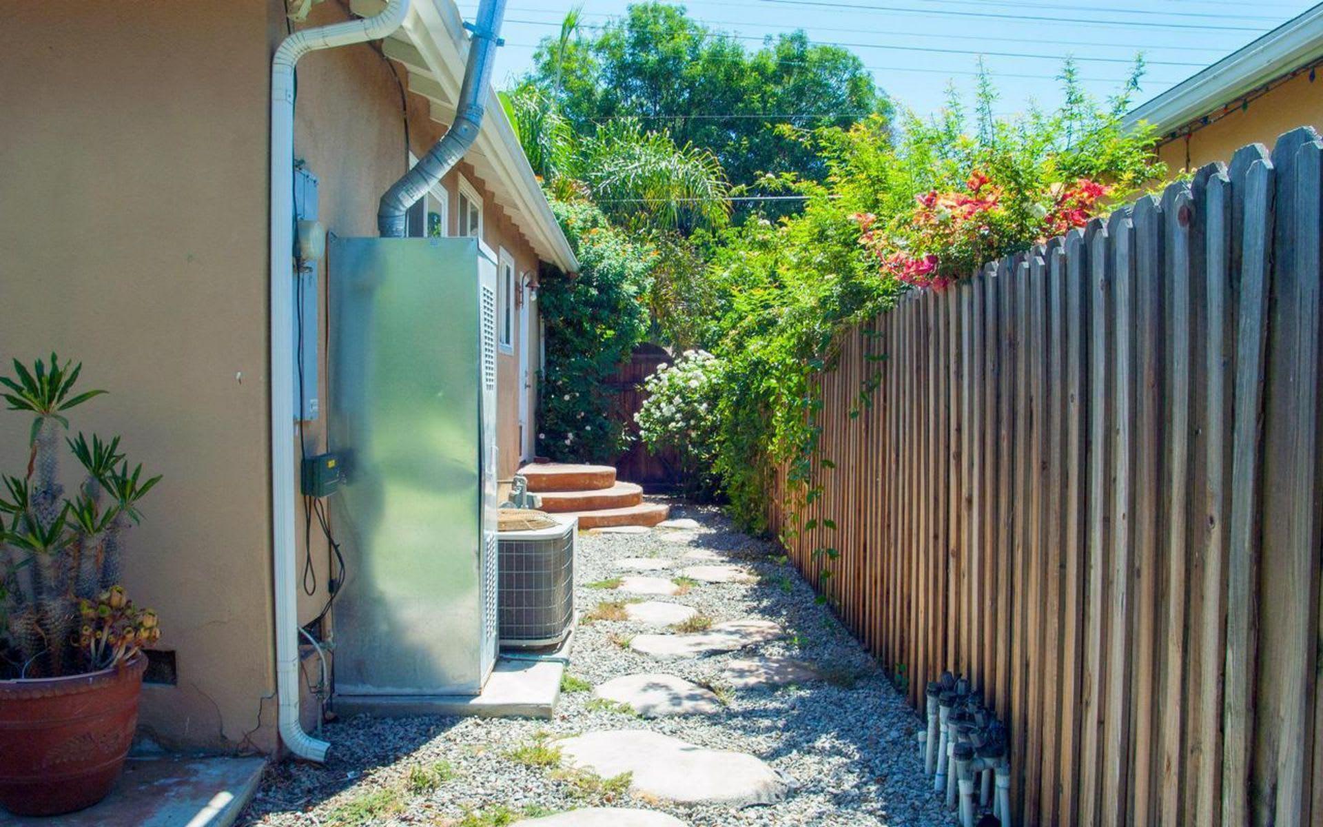 7347 Vanalden Ave photo
