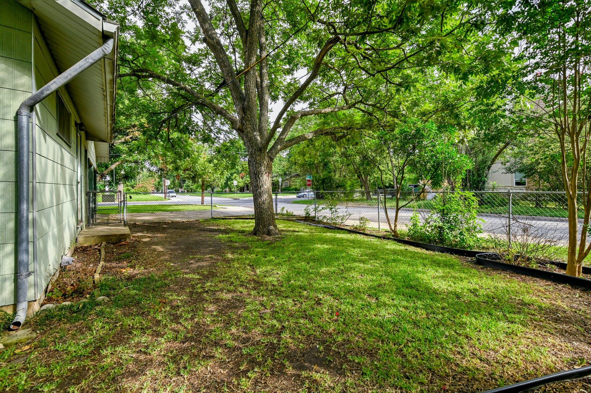 6107 Grover Aven photo