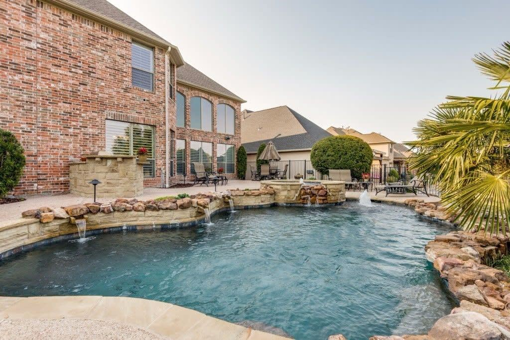 816 Shallowater Dr photo