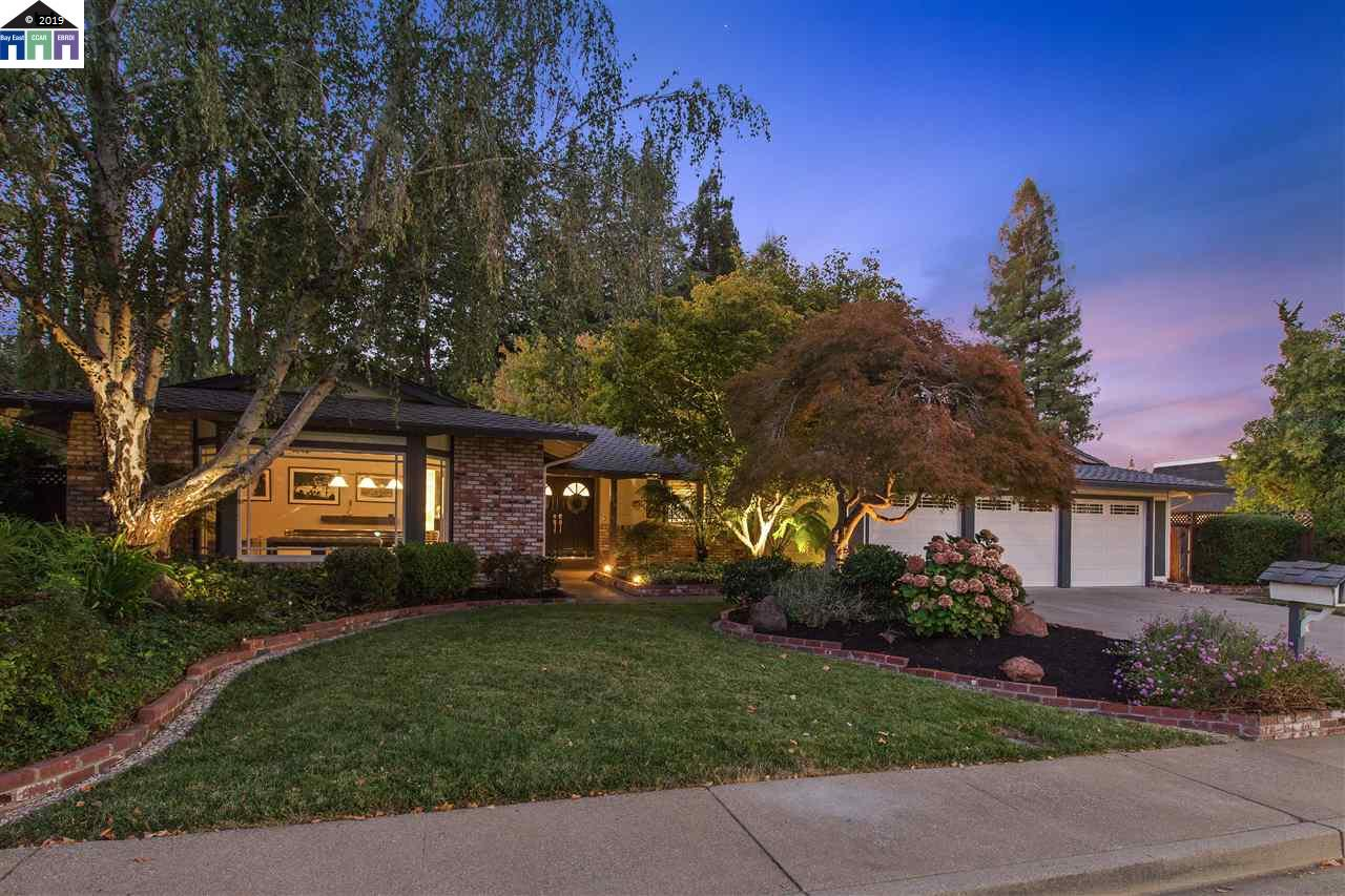 881 Dolphin Dr photo