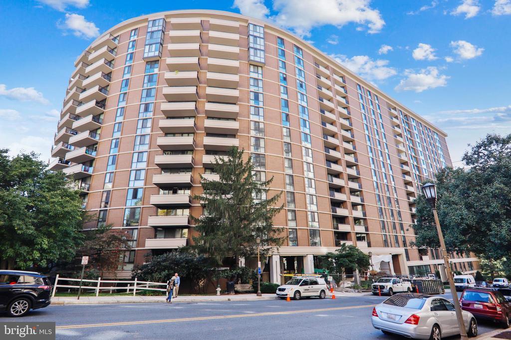 4620 N Park Avenue #702w photo