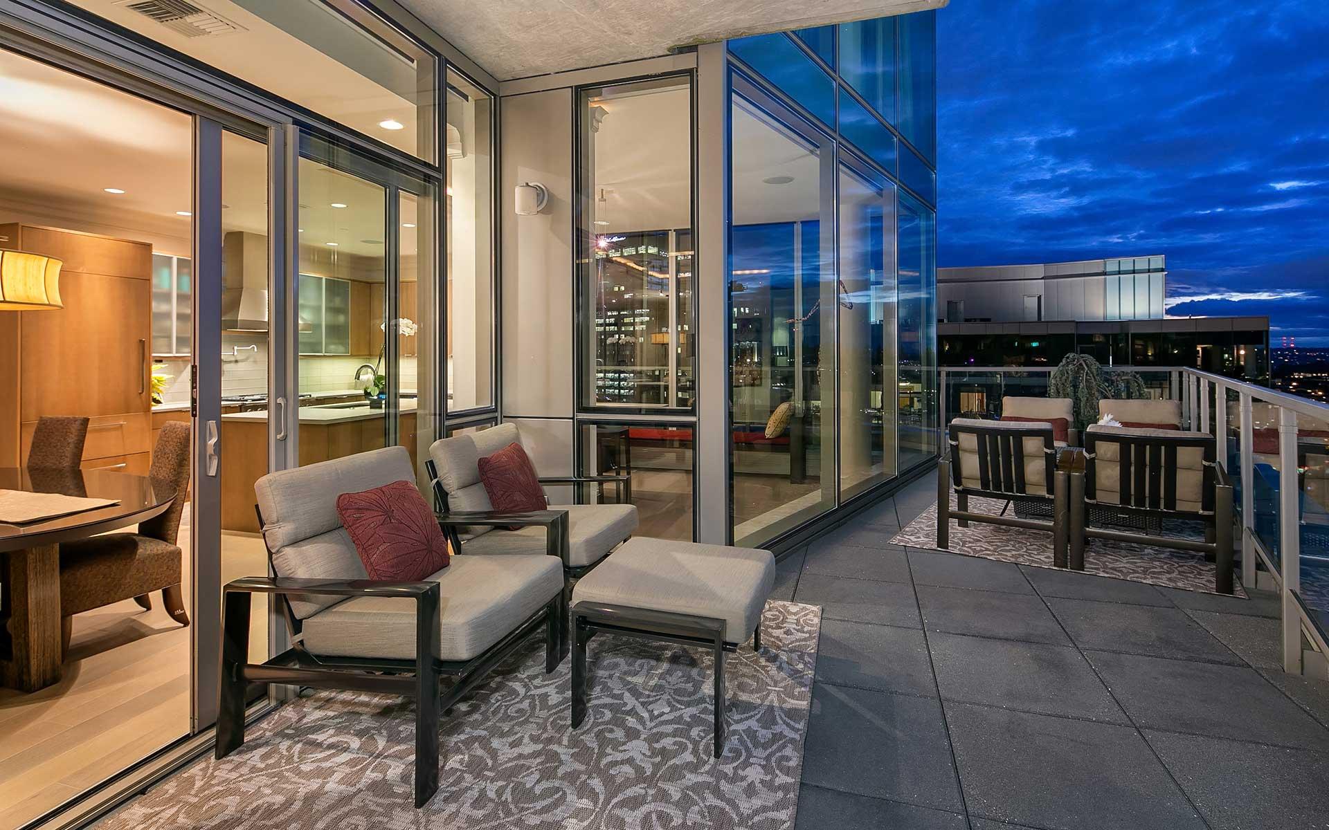Stunning Bellevue Penthouse photo