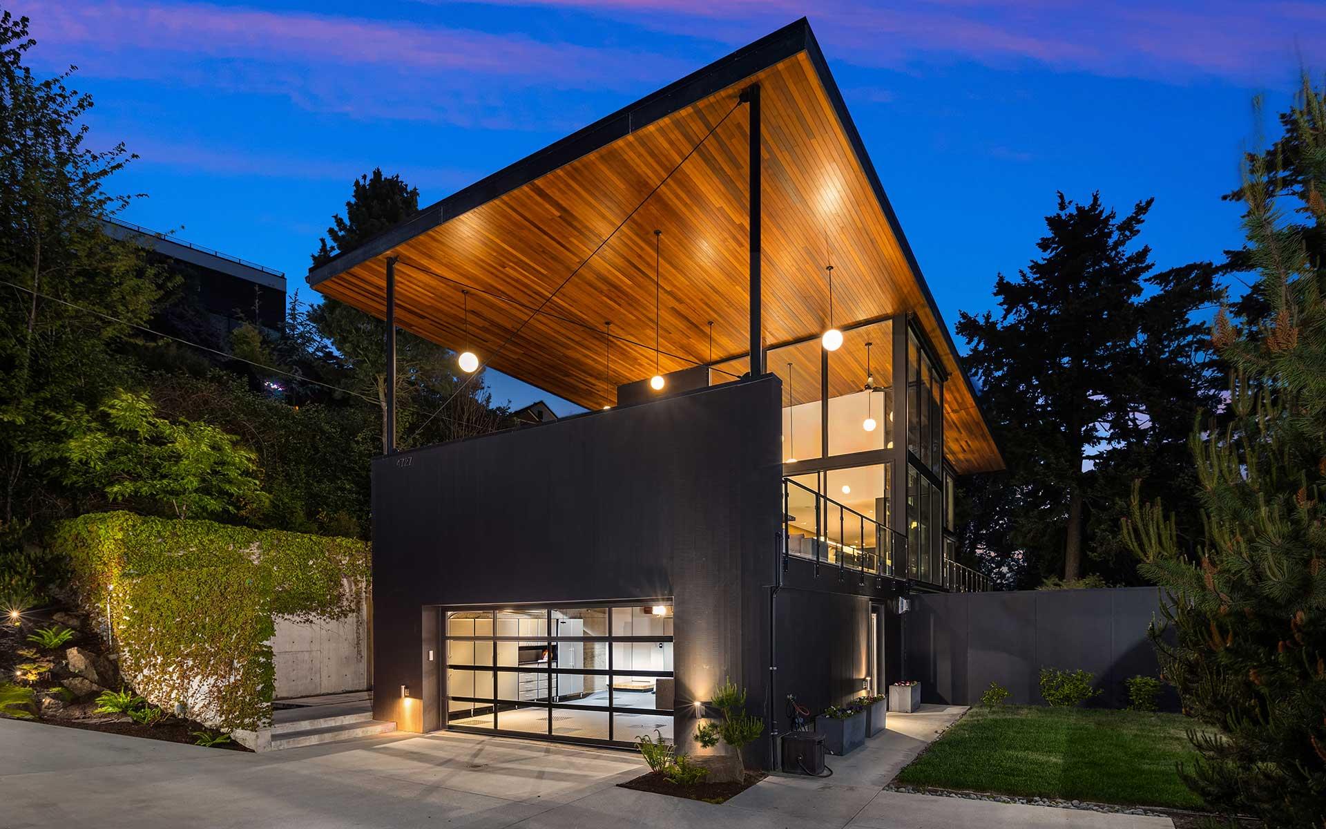 A Modern Sanctuary with Awe-Inspiring Views photo