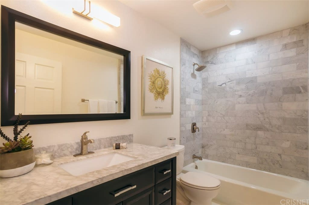 4324 Troost Ave, #105 photo