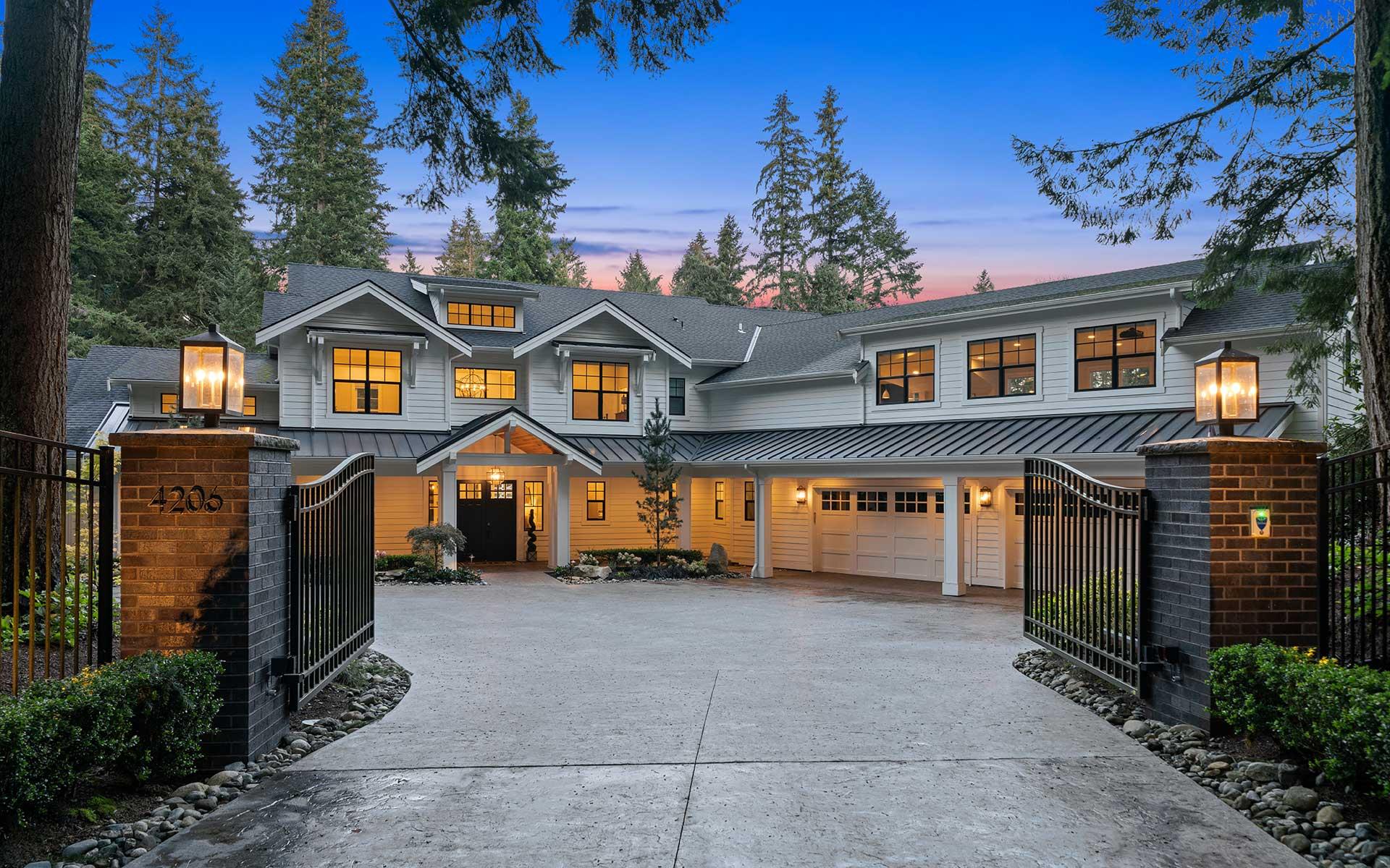 Luxurious Modern Farmhouse in Bridle Trails photo
