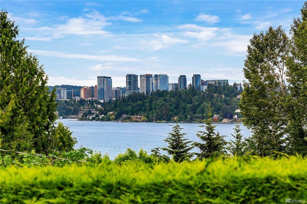 California Beauty with Lake Washington Views photo