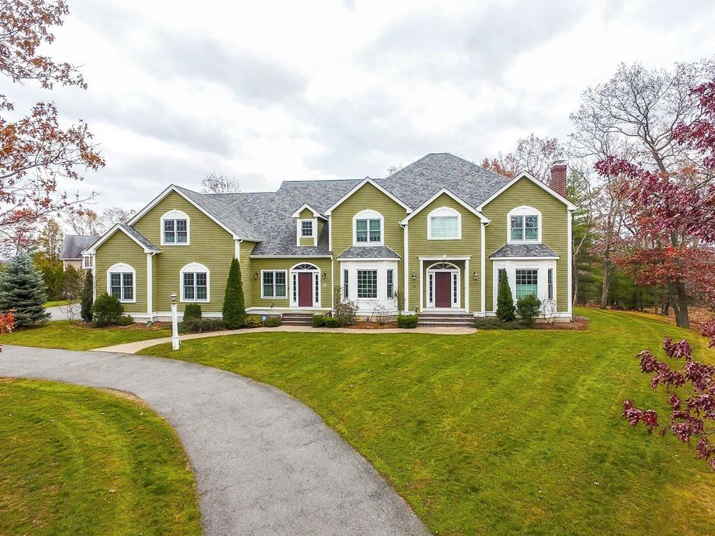 19 Whispering Lane, Natick