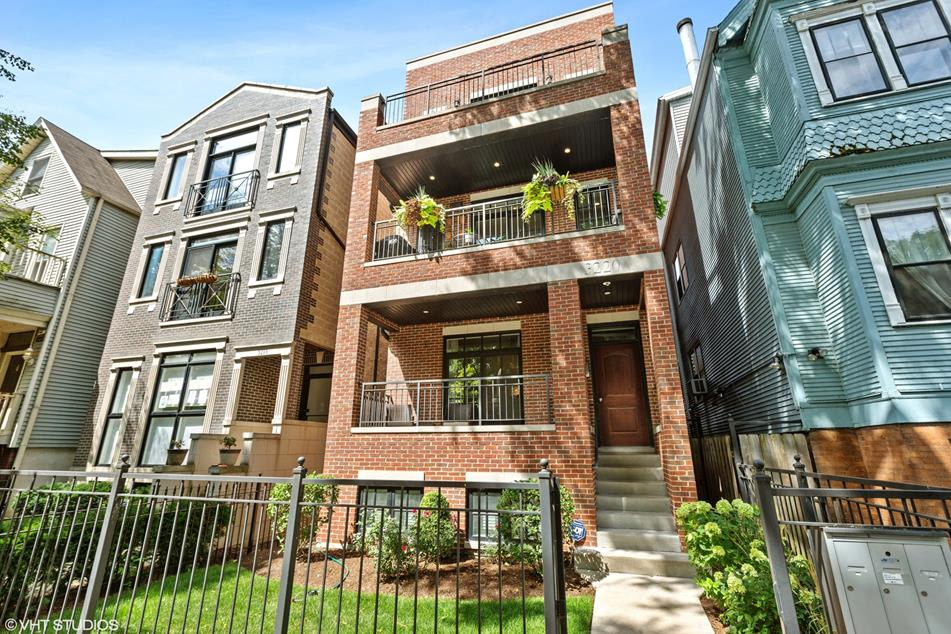 3220 N Kenmore Ave, #2 photo