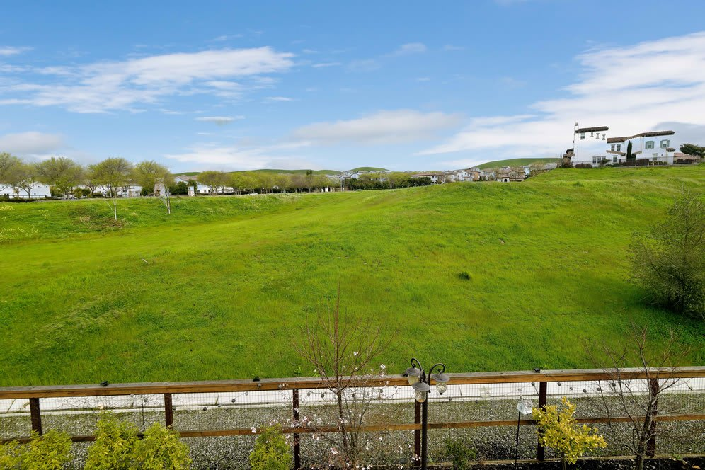 4626 Valley Vista Drive Dublin CA 94568 photo