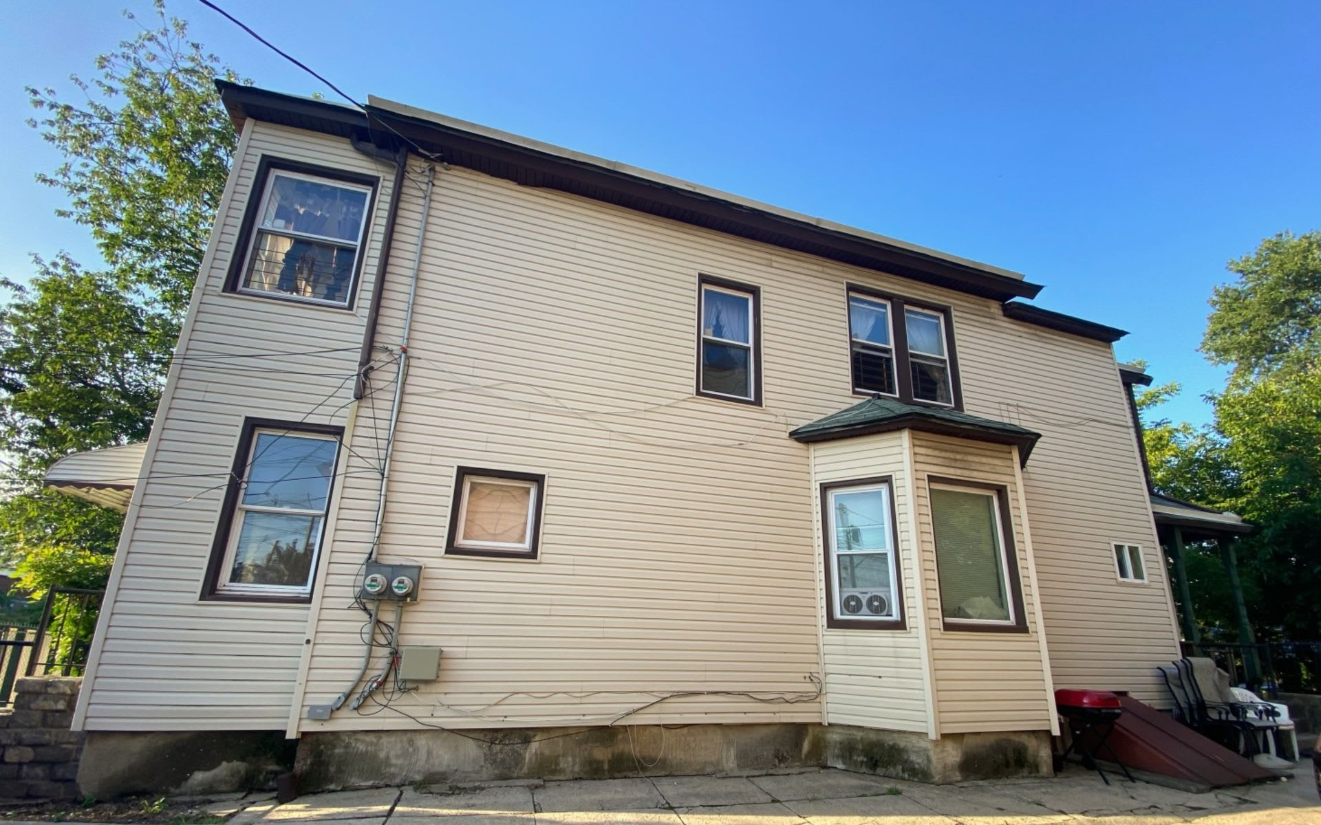 161 Campbell Ave photo