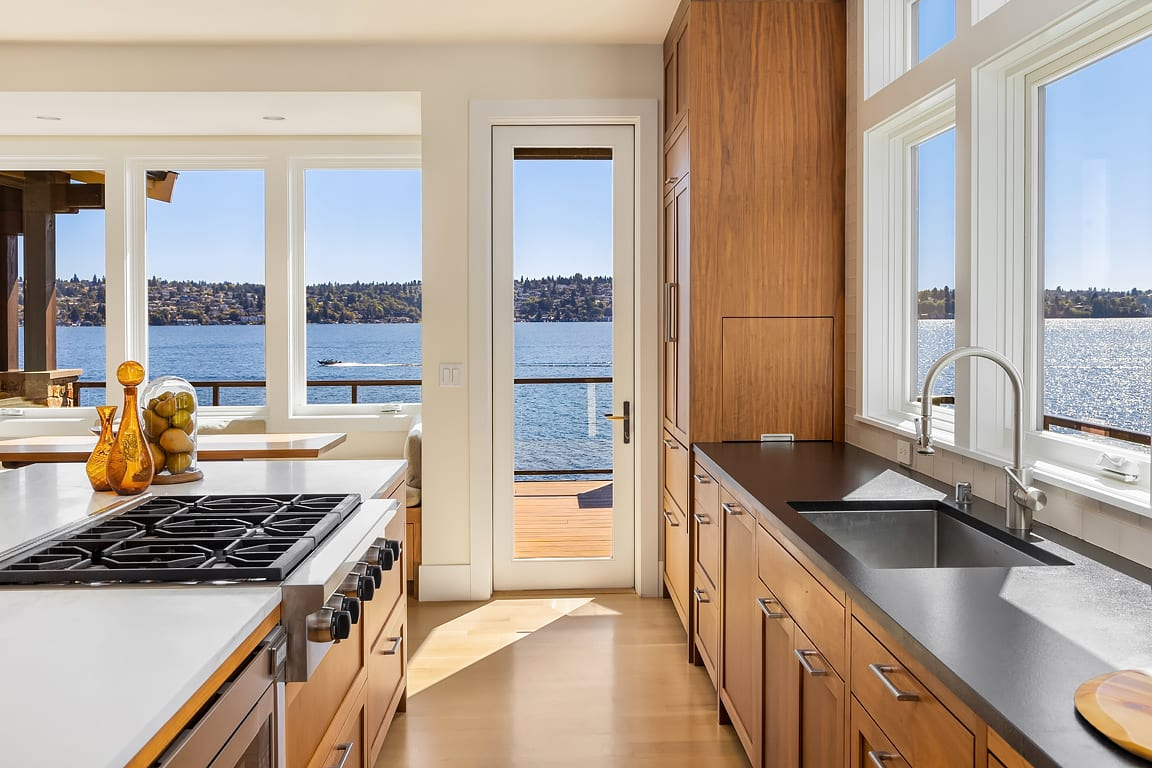 Exceptional Westside Waterfront photo