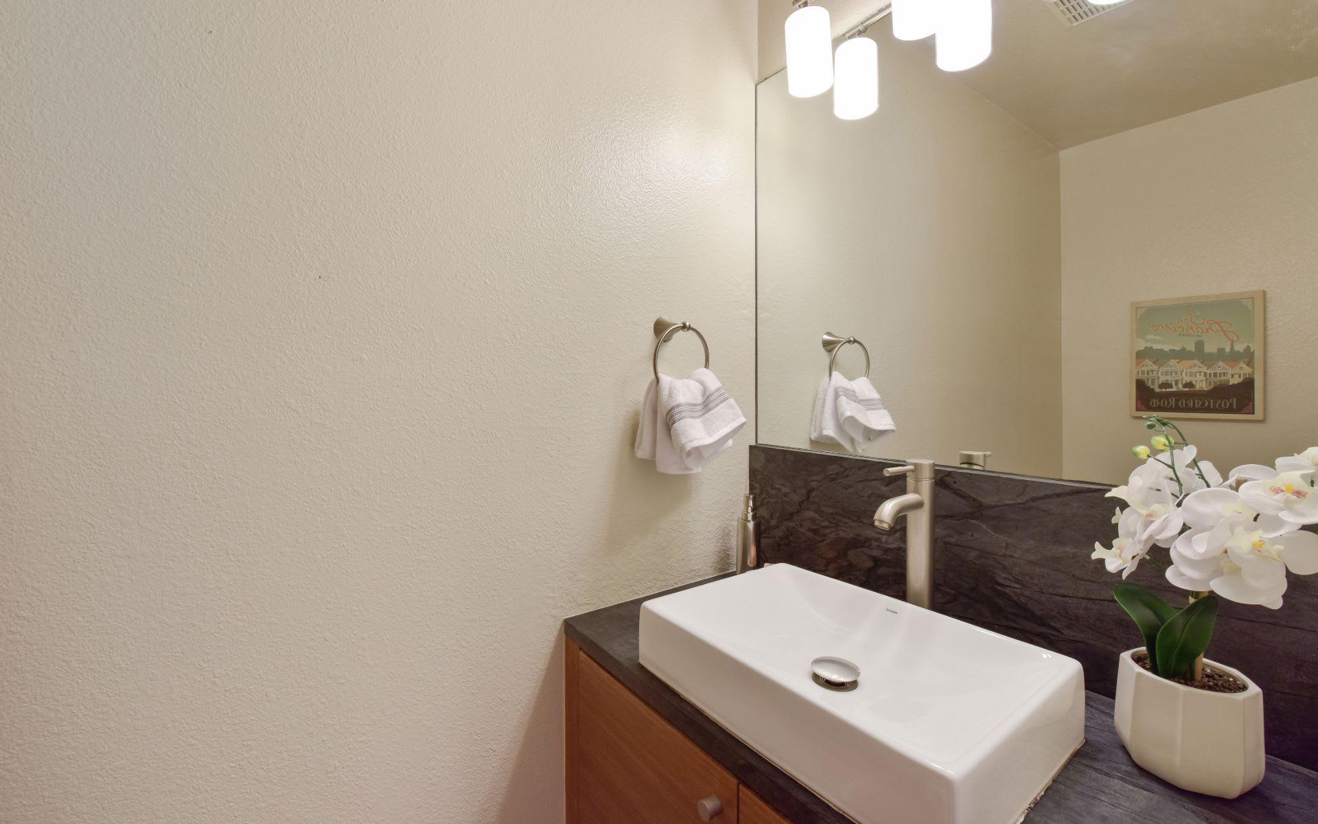 70 Yosemite Ave Unit 310 photo