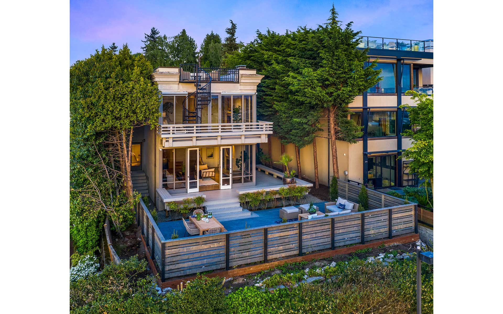 In-City Sophisticate on the West Slope of Capitol Hill photo