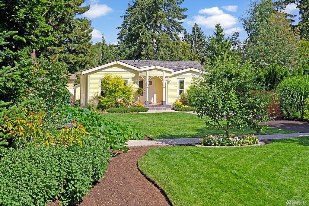 11726 8th Ave NE, Seattle 98125 photo