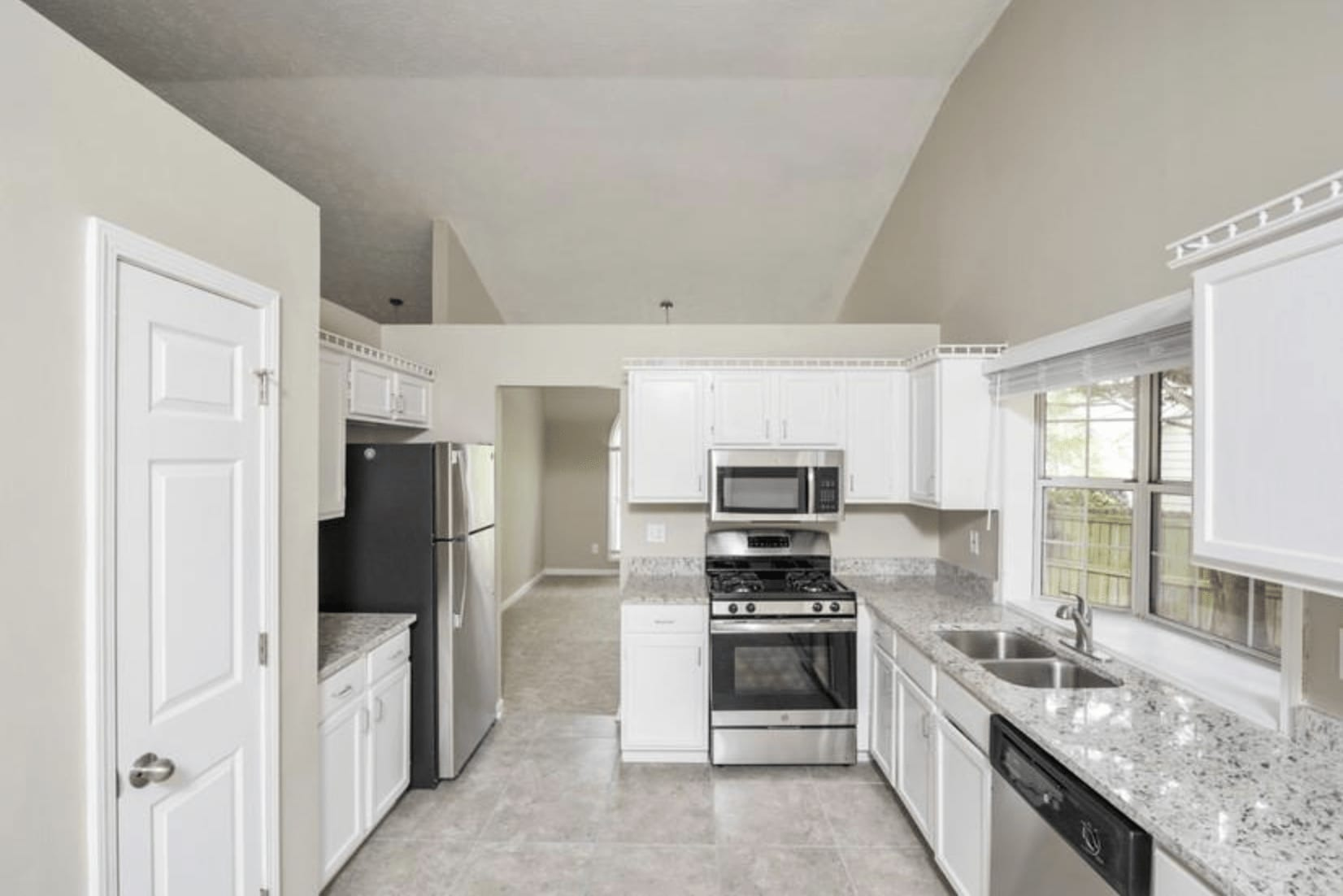 1820 Stone Forest Drive photo
