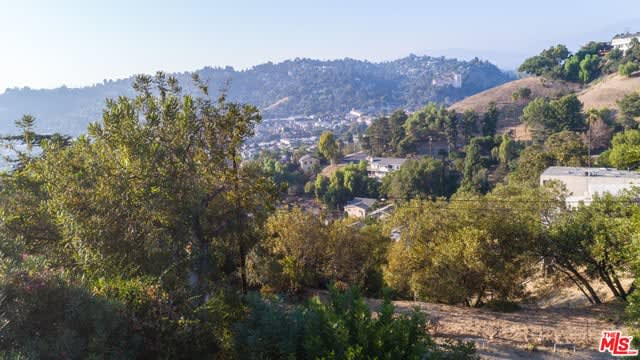 827 Montecito Dr photo