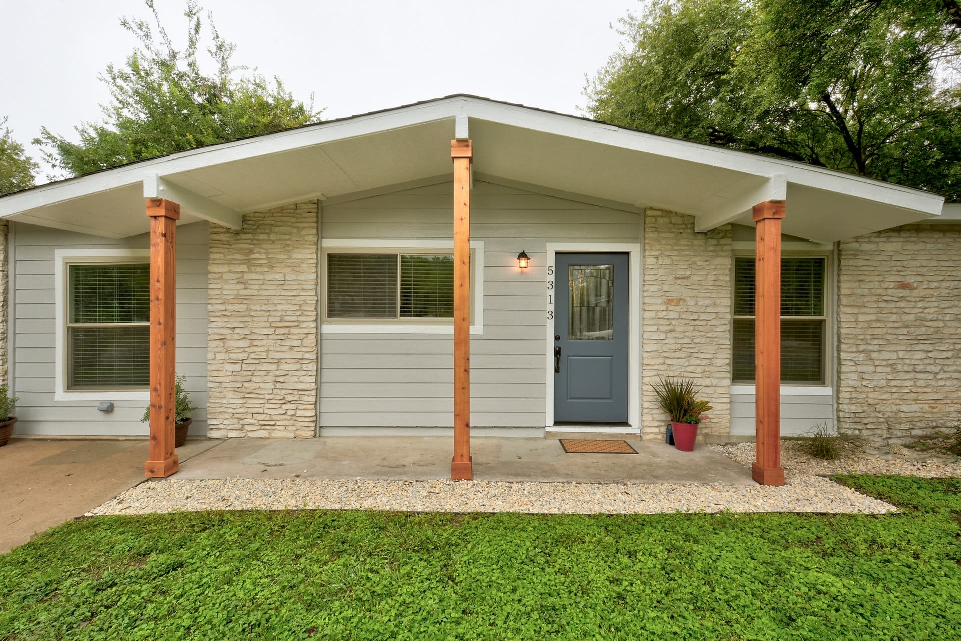 Windsor Park Charmer With Move-In Ready Features photo