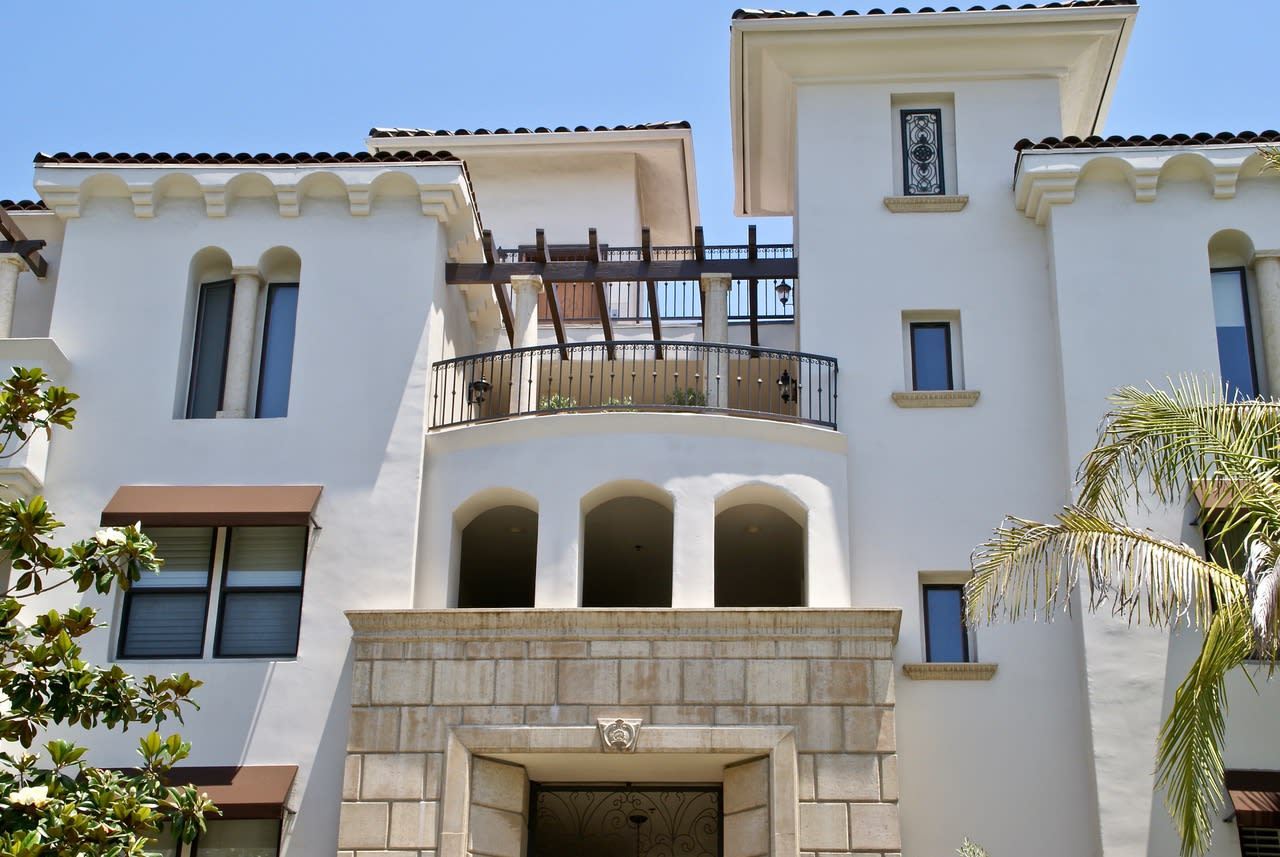 Fabulous West Hollywood Lease