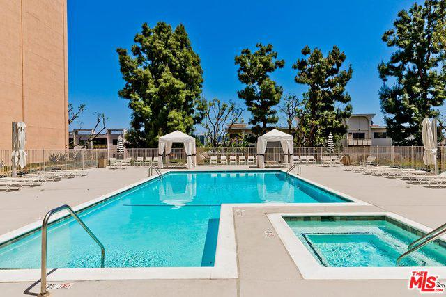 100 S Doheny Drive # 516 preview
