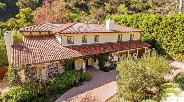 3227 Mandeville Canyon Rd preview