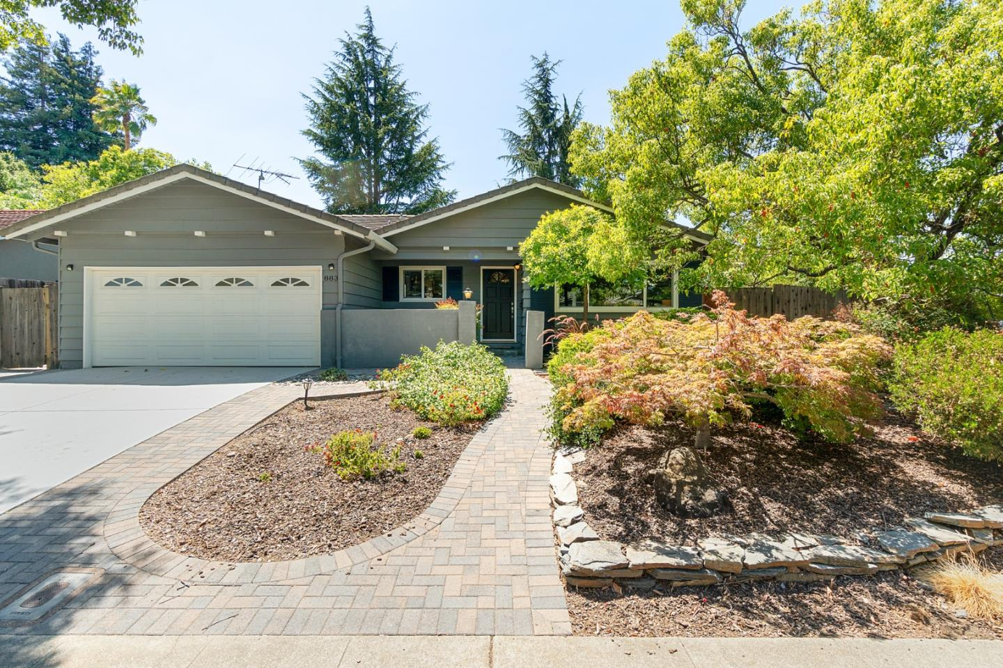 883 Roble Dr photo