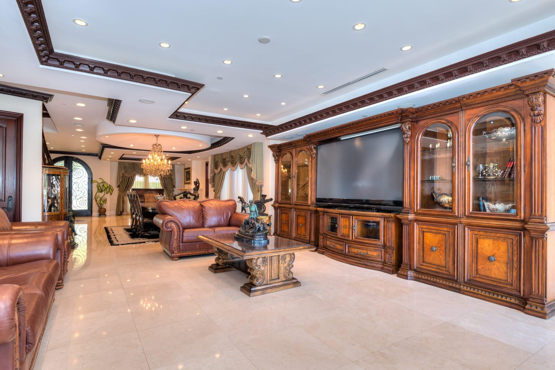 Elegant Italian Villa