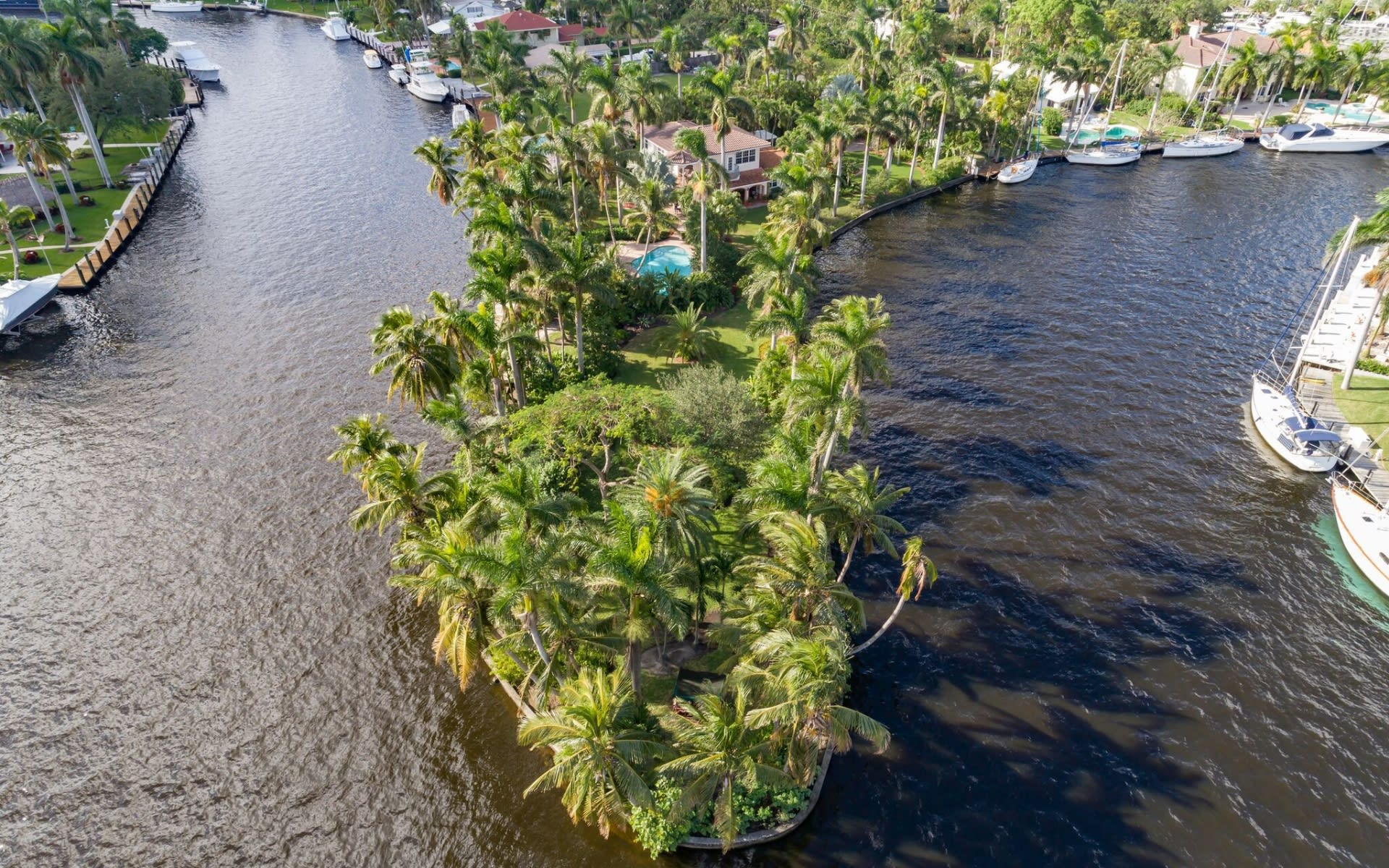 "Iconic ""Little Florida"" Estate Closes for $2.05 Million"