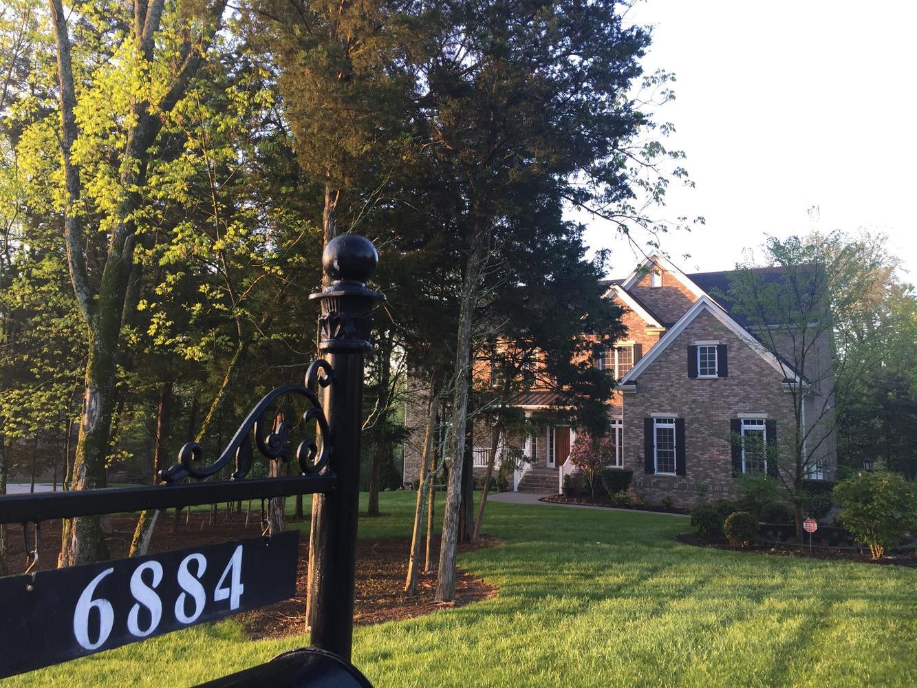 6884 Walnut Hills Dr photo
