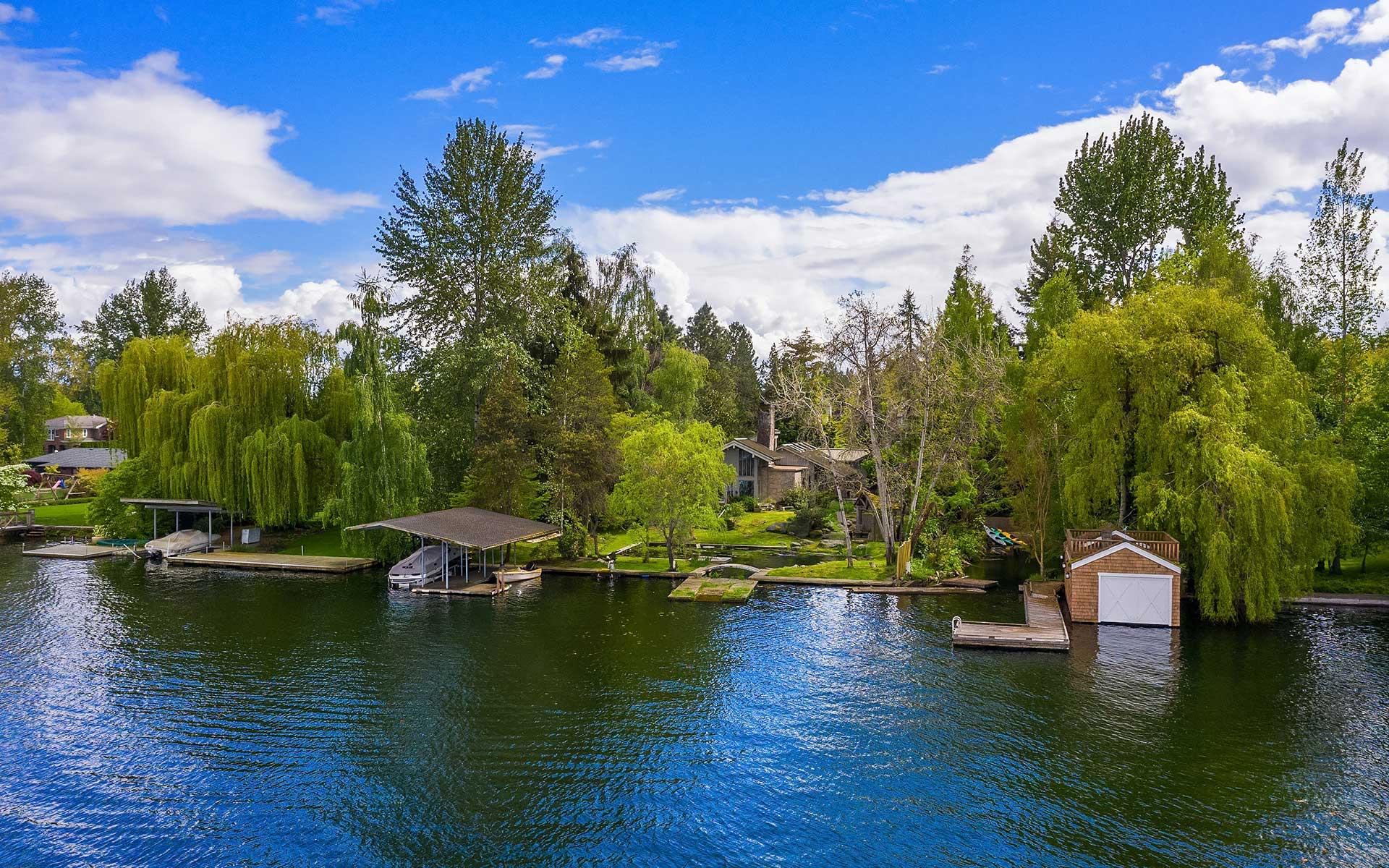 Roland Terry Modern on Lake Washington photo