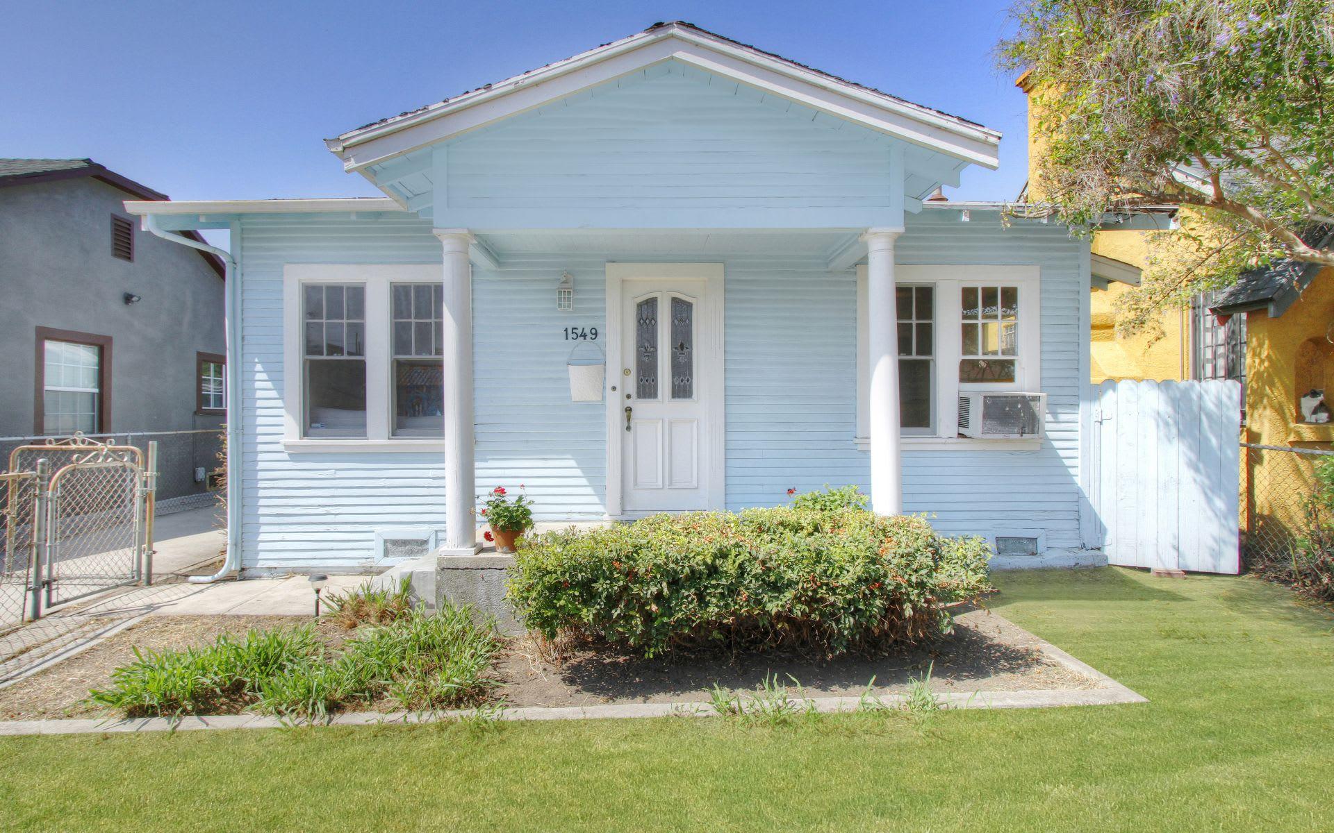 1549 S Burnside Ave photo