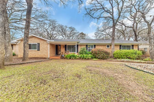 3017 Woodford Dr photo