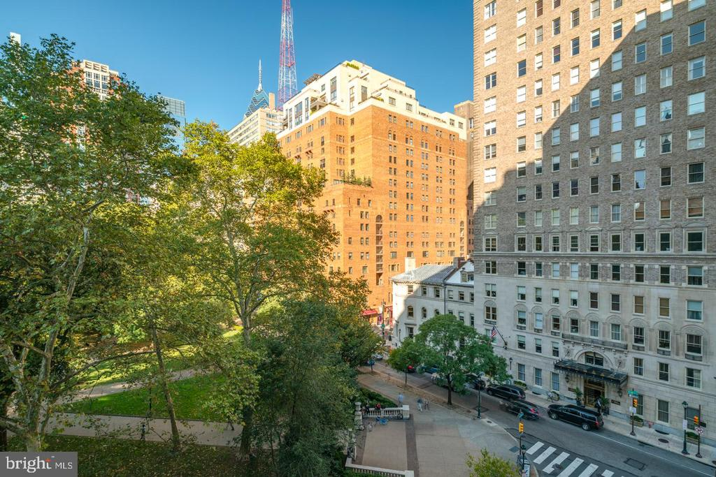 1810 Rittenhouse Sq, #712713 photo