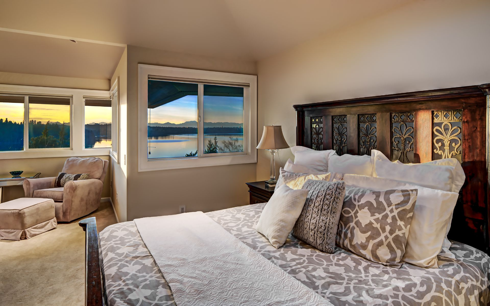 Gorgeous Mercer Island Living photo