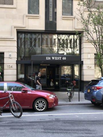 124 W 60th St, Unit 26B photo