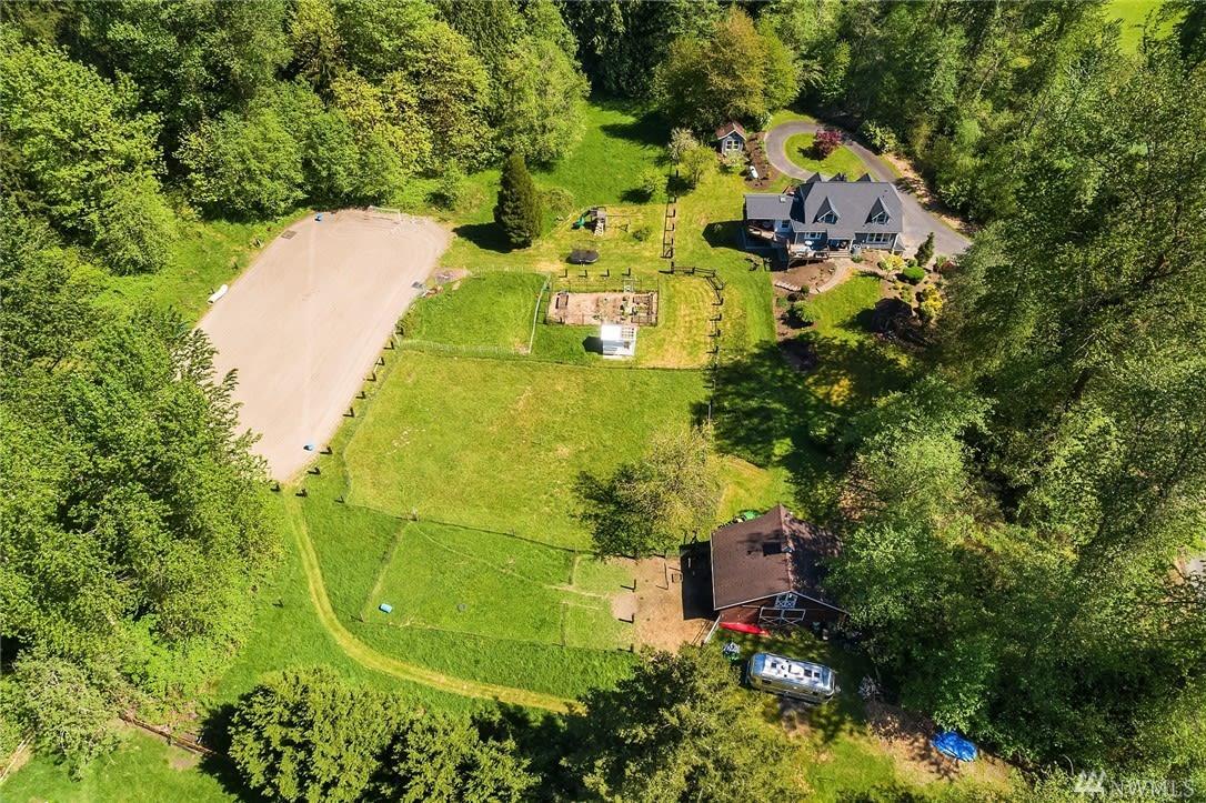 Four Lakes Modern Farmhouse photo