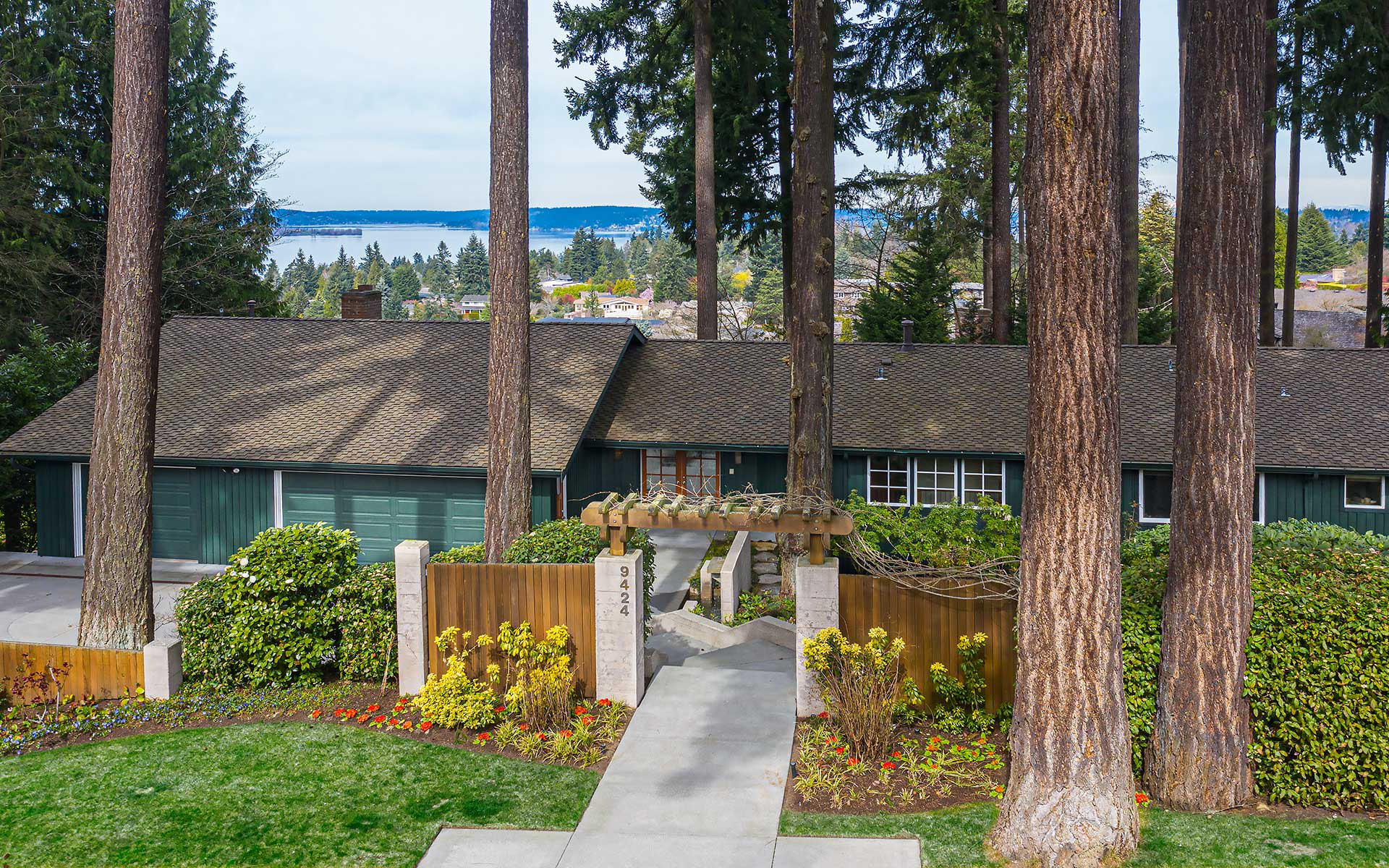 Northwest Style & Views on Clyde Hill photo