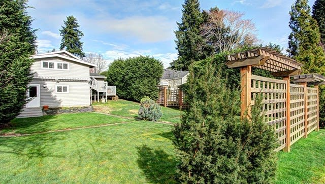 345 10th Ave photo
