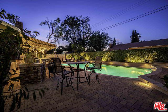 15955 Acre St, North Hills, CA photo