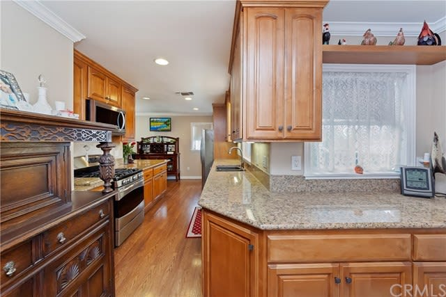 8255 Calmosa Ave preview