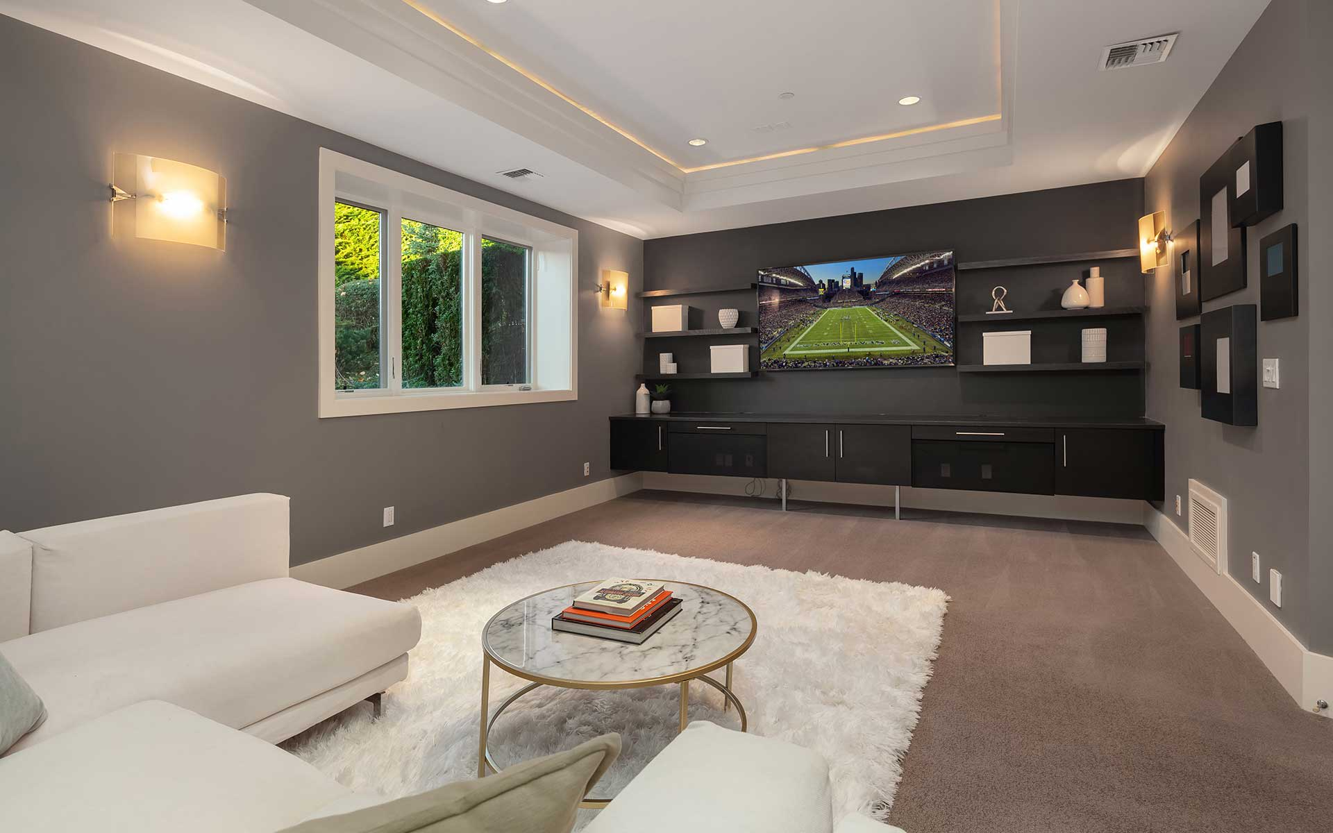 Sleek & Sophisticated Modern On Clyde Hill photo