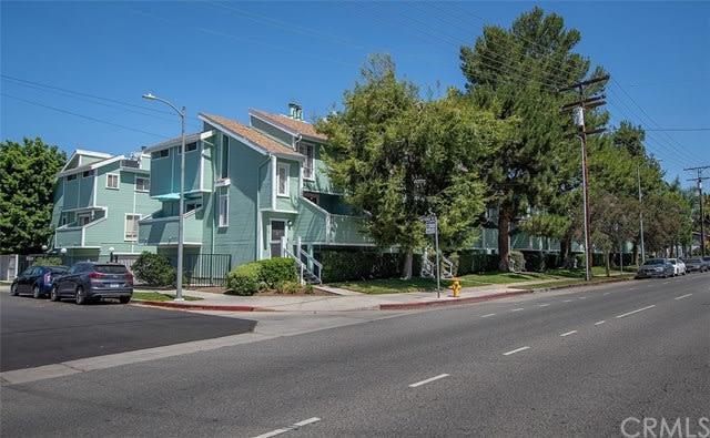 5811 Woodman Ave, #8 photo