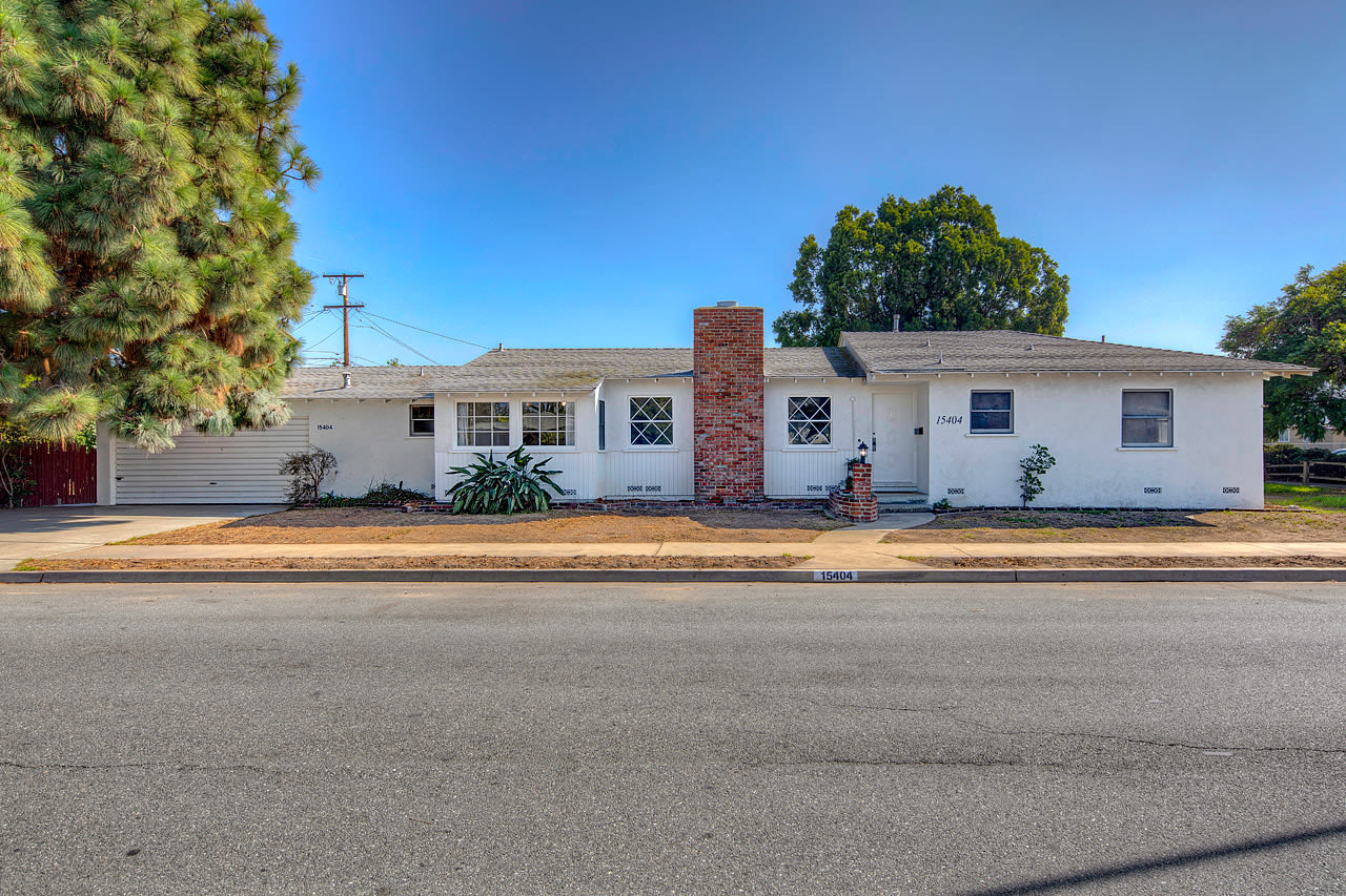 15404 S St. Andrews Place  photo