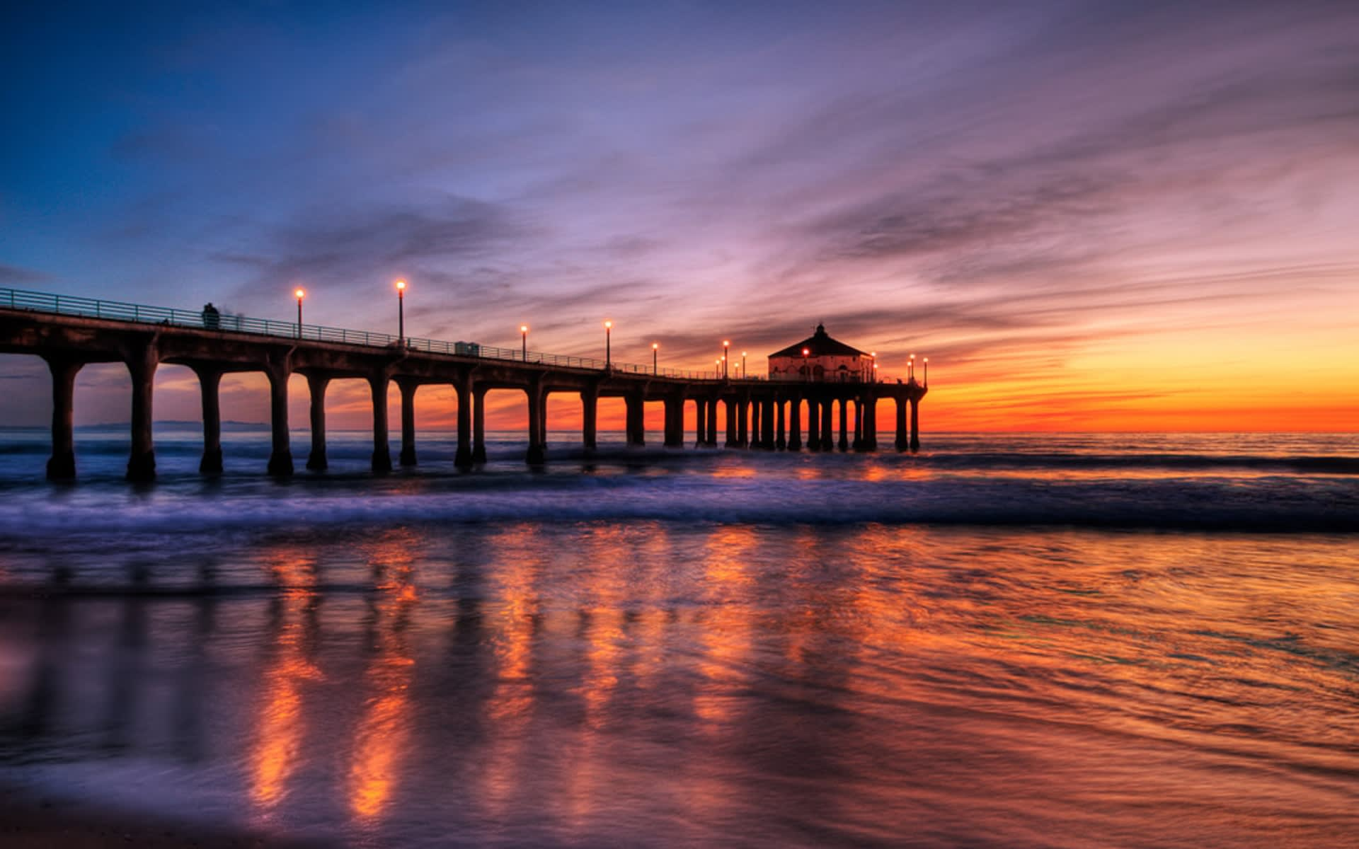 History of the iconic Manhattan Beach Pier