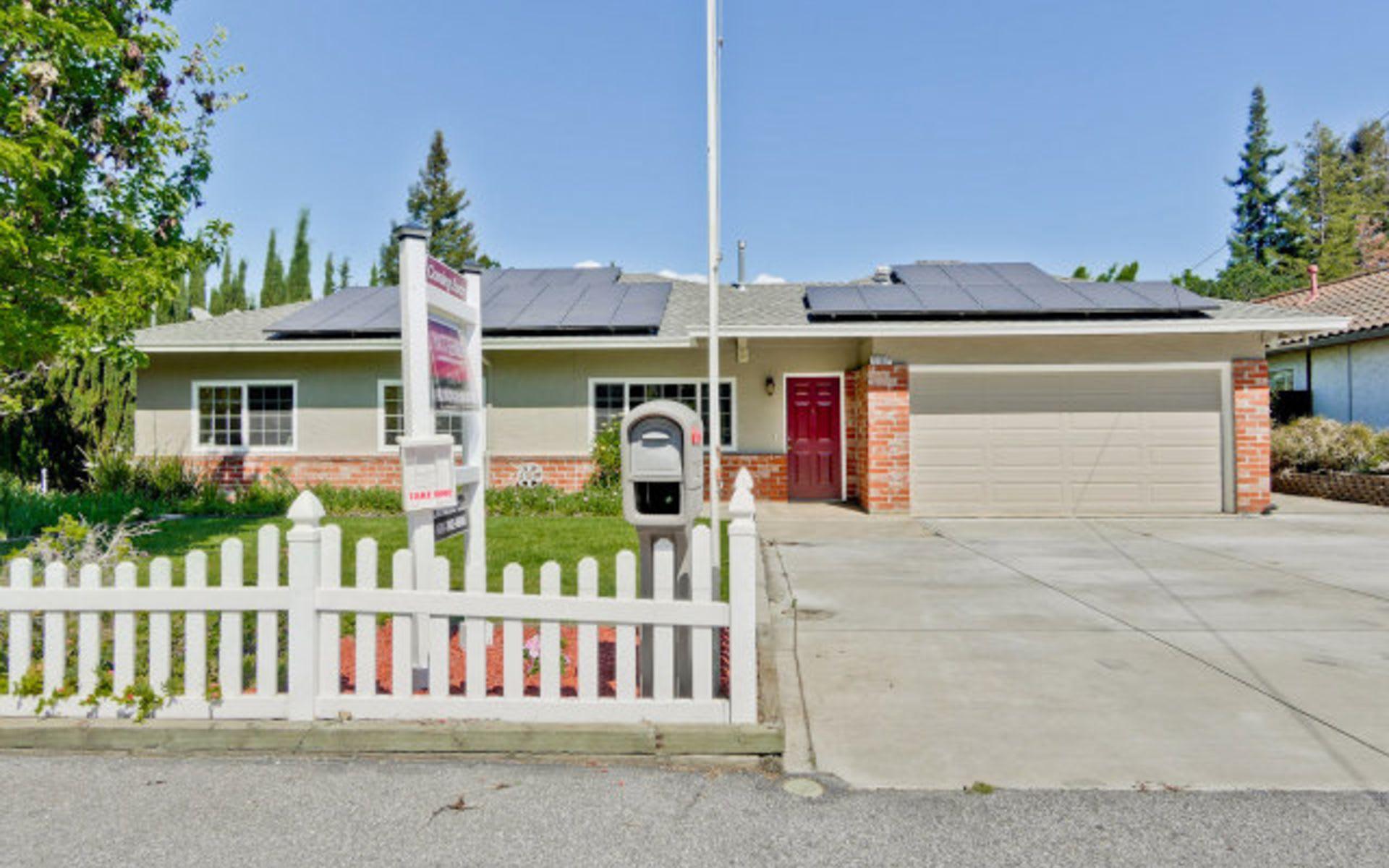 10190 Lockwood Drive photo