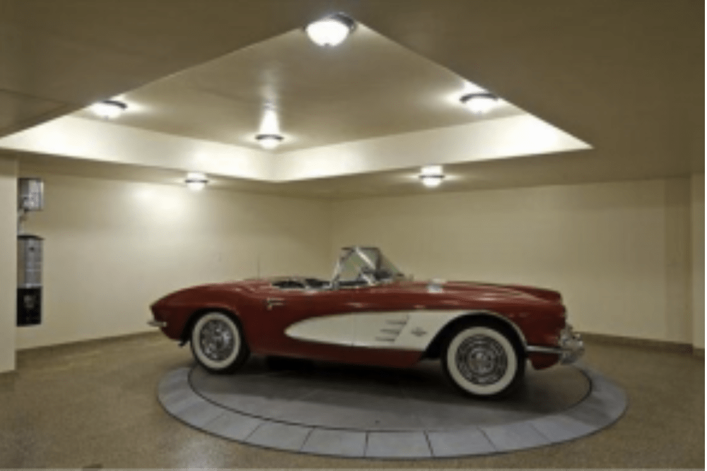 LUXURY GARAGES: NEW TREND IN HIGH-END HOME LISTINGS