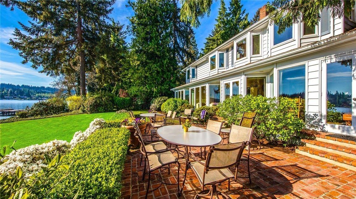 A Cherished Estate on Hunts Point photo