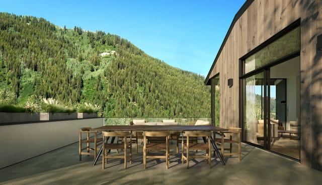 Stunning Mountain Valley Property