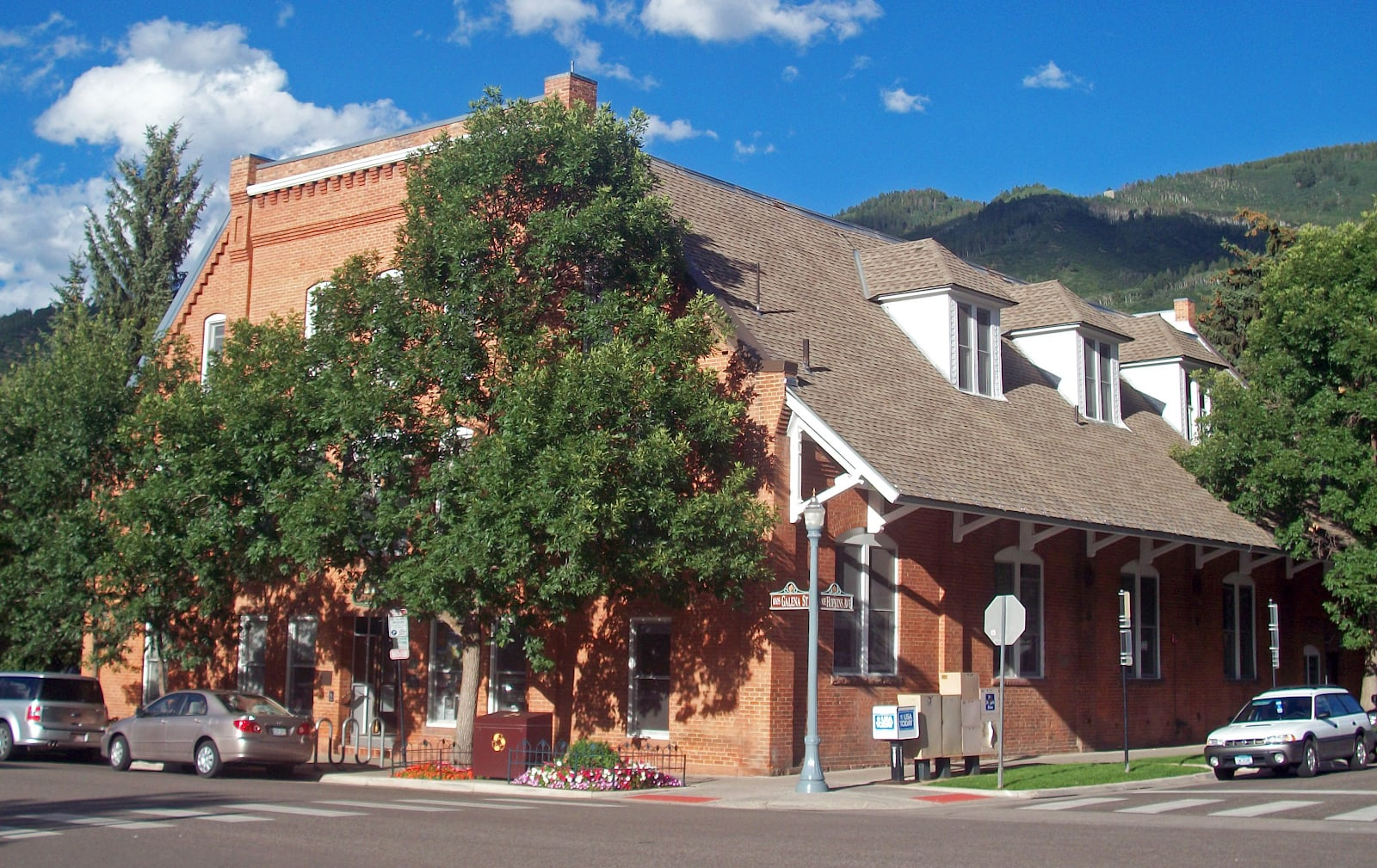 Activities and Tours to Dive into Aspen History